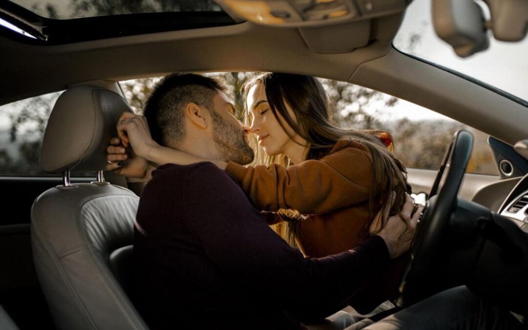 Sesso in auto: quali sanzioni?